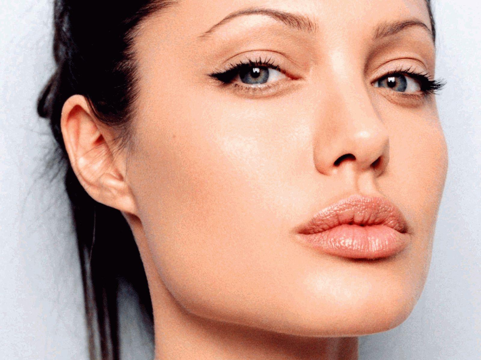 упражнения для губ,Анджелина Джоли,увеличить губы