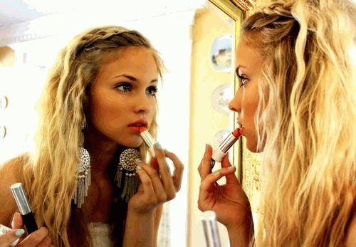 наносить косметику,макияж,косметика