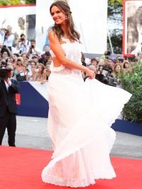 Венецианский кинофестиваль 2015 платья фото, Венецианский кинофестиваль красная дорожка фото, 72 Венецианский кинофестиваль звезды фото, Венецианский кинофестиваль 2015 лучшие платья фото