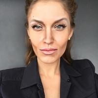 Джонни Депп, Анджелина Джоли, София Вергара, Зои Дешанель, Шер, чудеса макияжа