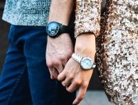 часы в гардеробе, модные часы купить, часы оригиналы купить, женские часы купить