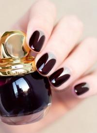 модный маникюр 2015, маникюр осень 2015, маникюр Diorific, лак для ногтей Vernis 990 Smoky фото, винный маникюр фото