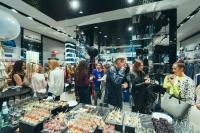Armani Jeans, осень-зима 2015/2016, Джорджио Армани, ТРЦ Sky Mall, ТРЦ Ocean Plaza