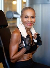 Эрнестина Шепард, старая бодибилдерша, старая спортсменка, самая старая культуристка, самая старая спортменка, самая старая бодибилдерша, самый старый бодибилдер