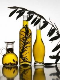 оливковое масло, оливковое масло польза, оливковое масло для тела, оливковое масло для лица, оливковое масло для волос, оливковое масло уход, оливковое масло массаж, оливковое масло для ванн, оливковое масло для рук