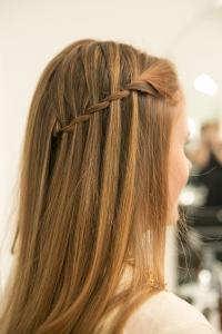 коса-водопад, коса-водопад фото, коса-водопад как плести, коса-водопад урок, коса-водопад пошаговый урок, коса-водопад урок с фото, коса-водопад пошаговый урок с фото, привески весна, прически весна 2016