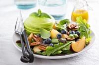 салаты с первой зеленью рецепты, первая зелень салаты рецепты, салаты с крапивой, салат с мелиссой, салат с черемшой рецепты, молодая зелень рецепты салатов