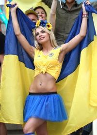 Влада Щеглова, Влада Щеглова фото, самая красивая болельщица, красивая болельщица, болельщица цкраина, красивая болельщица украина, самая красивая болельщица, болельщица евро, болельщица евро 2016, евро 2016