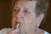 Лучший бьюти-блогер: 86-летняя бабушка снимает видео о красоте и моде