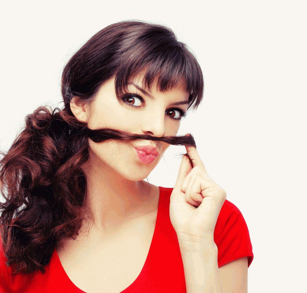 усы девушка