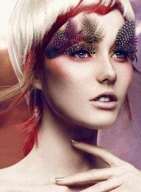 перья,макияж,фотоприцел