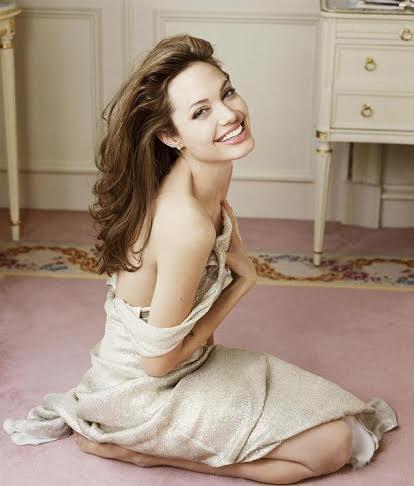 Анджелина Джоли,кожа,процедура,косметолог,секрет красоты