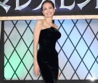 Анджелина Джоли,фото,фигура,грудь,Малефисента