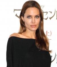 Анджелина Джоли,фото,стиль,фигура,Versace,Элль Фаннинг,Малефисента