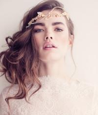 свадьба,прически,длинные волосы,фото,2014,тренды,пучок,волны,укладка,мокрый эффект