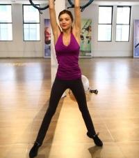упражнения для бедер,упражнения для ног,пресс,талия,жиры,сжигание,зарядка,фитнес