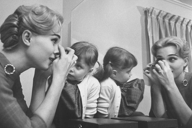 мамы,уроки красоты,секреты красоты,макияж,уход за кожей,вода,ванна,крем для рук,духи,косметика