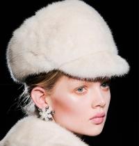осень-зима 2014/15,зима 2015,коллекция,шапка,перчатки,тренды,образы,шопинг,аксессуары