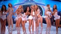 шоу,Victorias Secret,ангелы,2014,декабрь,Лондон,Адриана Лима,алессандра амбросио,Кэндис Свенпойл,Сьюки Уотерхаус