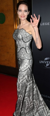 Анджелина Джоли,фото,фигура,2014,новости,несломленный,премьера,фильм,стиль,анорексия