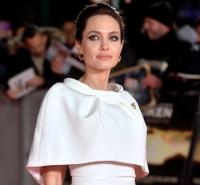 Анджелина Джоли,фото,несломленный,премьера,Лондон,образ,стиль,платье,новости,2014