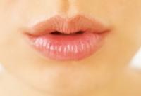 уход за губами,зима,обветренные губы,трещины,увлажнение,суха кожа,вода,советы,скраб для губ,губная помада