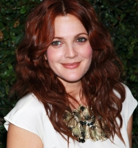 марсала,винный,бордо,красный,цвет волос,фото,Дрю Бэрримор,рыжие волосы,окрашивание,оттенок