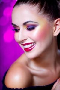 Pupa,макияж,мастер-класс,блестящий макияж,мерцающие тени,глаза,вечерний макияж,видео,Paris Experience Collection