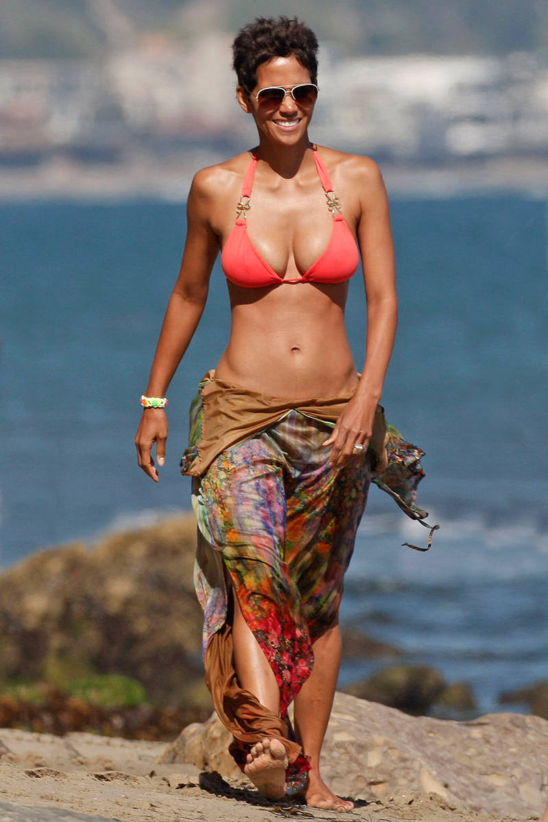 The 55 Most Naked Celebrity Instagram Pictures of All Time Best celebrity beach bodies pictures