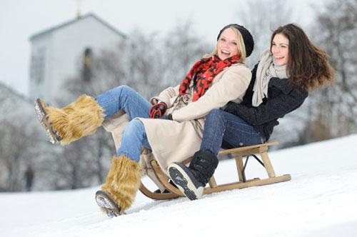 чем заняться на выходных,зимой на улице,санки,лыжи,зимние виды спорта,сноуборд,керлинг,что делать зимой на улице,экстрим