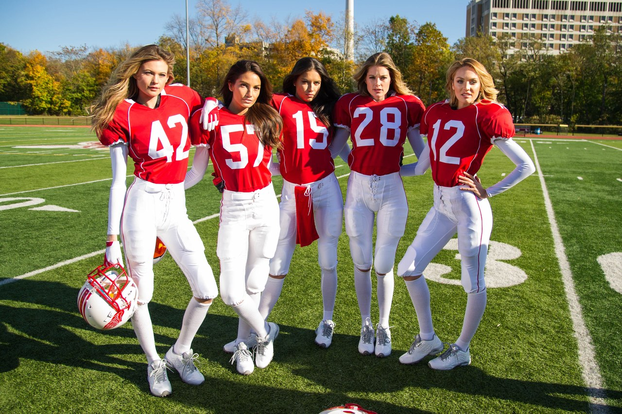 ангел виктория сикрет,Ангелы Victorias Secret,ангелы,американский футбол,футбол,Don%27t Drop the Ball,Адриана Лима,даутцен крез,Лили Олдридж