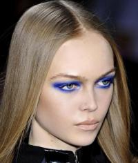 синий цвет,макияж глаз,фото,2015,тренд,как сделать,smoky eyes,электрик,палетка,тени для век