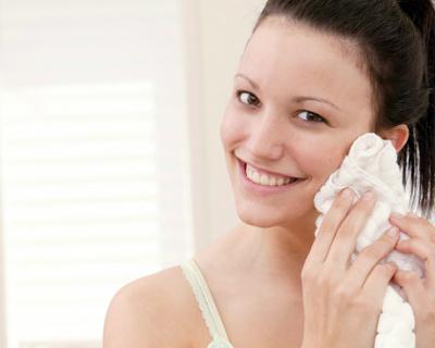 полотенце для лица,гигиена,мочалка для лица,как часто нужно менять,дерматолог