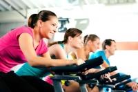 упражнения в тренажерном зале,упражнения для женщин,приседания,как заниматься в тренажерном зале,как работать с тренажерами,упражнения на тренажерах,комплекс упражнений,александр галапац