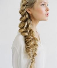 прически,8 марта,фото,как сделать,коса,мальвинка,пучок,хвост,видео,мастер-класс
