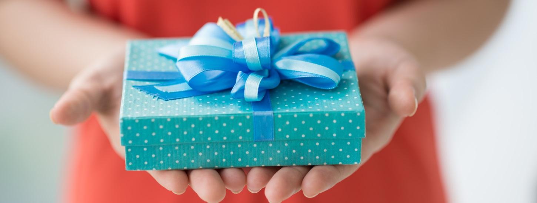 Что подарить на новый год подружке своими