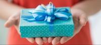 подарок,подарок на 8 марта,что подарить подруге,подарить подруге на 8 марта,бюджетные подарки,недорогой подарок,модные колготки,карандаш для глаз,подарочный набор