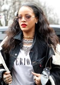 рианна,Рианна волосы,волосы девушка,прическа,провальный образ,новый образ,бьюти-образы,Неделя моды в Париже