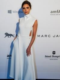 виктория бекхэм,фото,стиль,макияж,образ,платье,новости,2015,amfAR