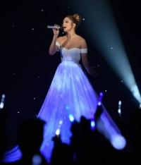 дженнифер лопес,дженнифер лопес платье,American Idol,American Idol Дженнифер Лопес,платье дженнифер,лопес выступление,Feel the Light