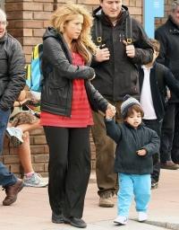 Шакира шокировала лицом без макияжа,Шакира без макияжа,Шакира,Шакира без мейкапа,Шакира второй подбородок,перестала следить за фигурой,Шакира фигура