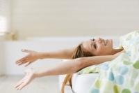 утренняя зарядка,утренние процедуры,гимнастика в постели,упражнения в кровати,упражнения в постели,как легко просыпаться,зарядка +для ленивых