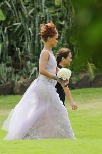 Рианна,рианна новый образ,рианна подружка невесты