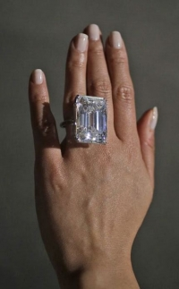 самый драгоценный камень,100 карат,бриллиант,бриллиант в 100 карат
