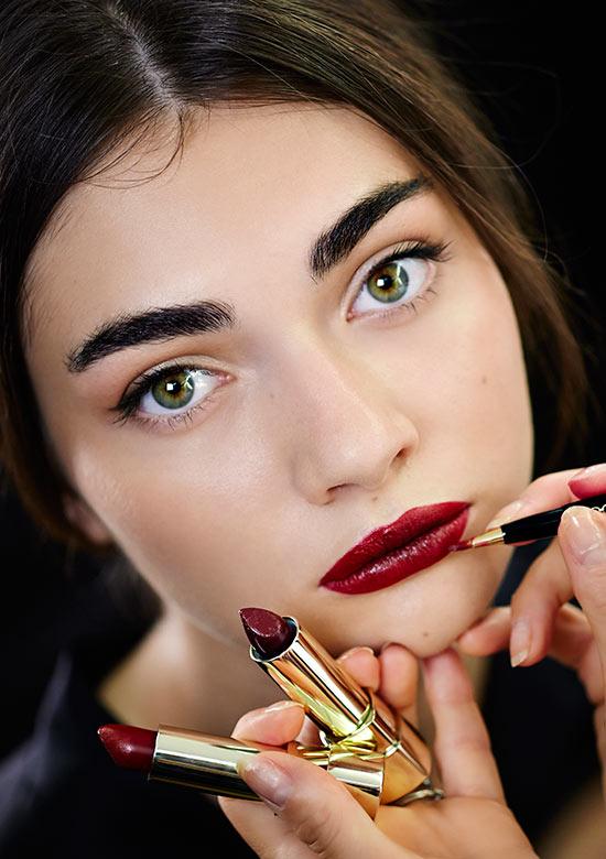 лайнер для губ,губная помада,макияж,советы косметика,карандаш для губ,визуально увеличить губы