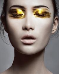 металлические тени,блестящий макияж,бьюти-тренды,металлик