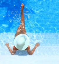 бассейн,внешний вид,защита волос,негативное влияние солнца,УФ-лучи,после плавания