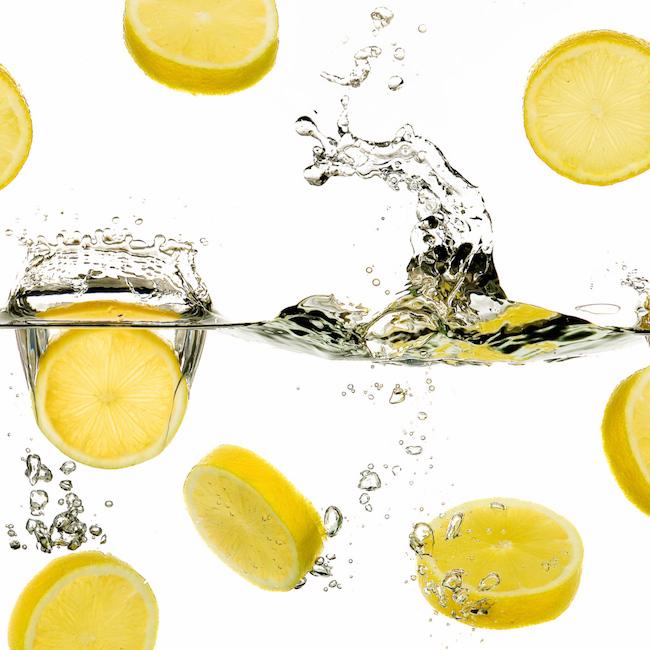 Чем помогает вода с лимоном