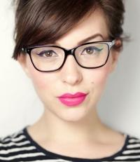 макияж в очках, макияж глаз под очки, как делать макияж под очки, макияж для девушки в очках