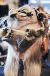 тренды волосы,уход за волосами,радужное окрашивание